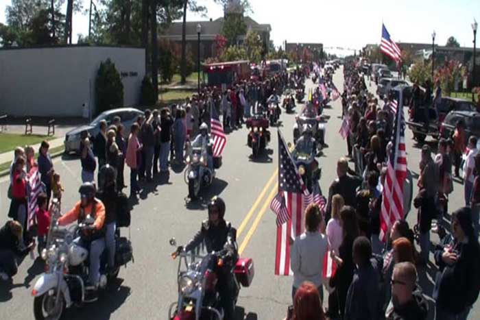 thugs try to stop a marines funeral then bikers show