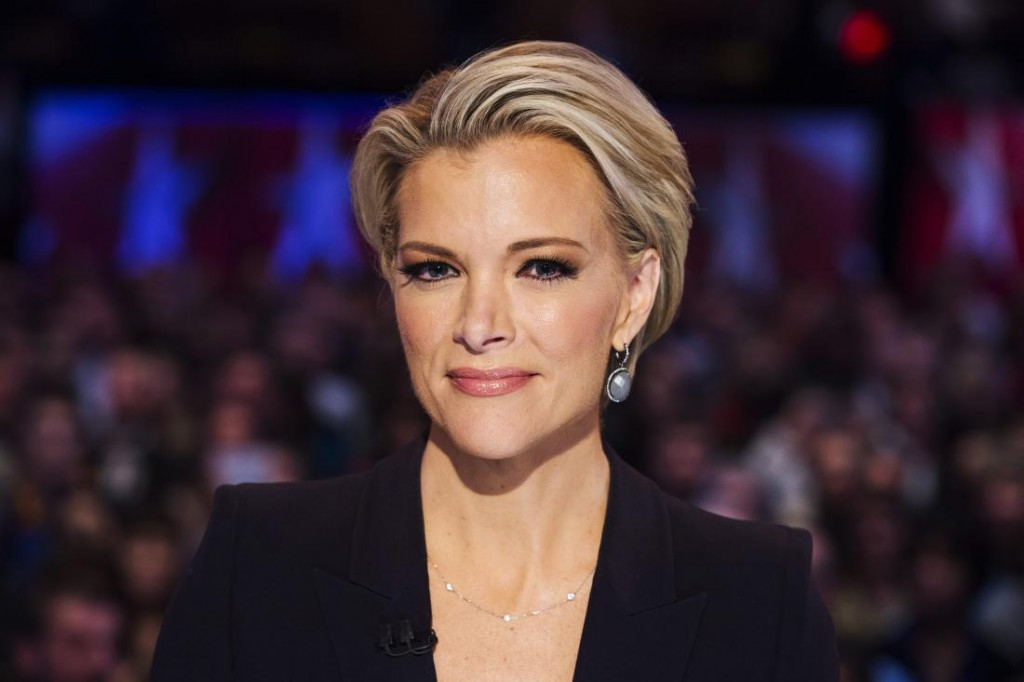 epa05132347 Fox News debate moderator Megyn Kelly waits for the start of a Republican Presidential debate, sponsored by Fox News and Google, at the Iowa Events Center in Des Moines, Iowa, USA, 28 January 2016. The Iowa caucuses, held on 01 February, are the first electoral test for presidential candidates seeking their party's nominations. EPA/JIM LO SCALZO